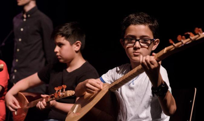 Muziek in mijn Buurt: start cursussen gitaar en saz op Multatuli