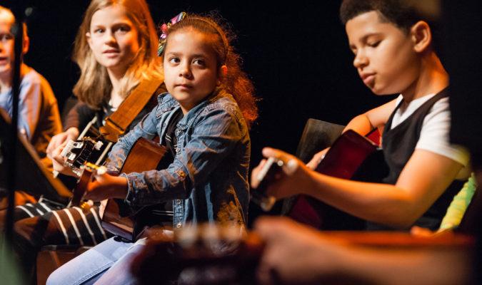 Voordelige naschoolse muzieklessen voor Stadpashouders